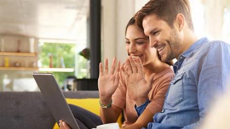 Relación virtual: ¿es posible tener una cita exitosa a través de dispositivos de cámara web?