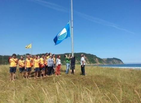 Catorce playas del Principado de Asturias lucirán este verano la bandera azul