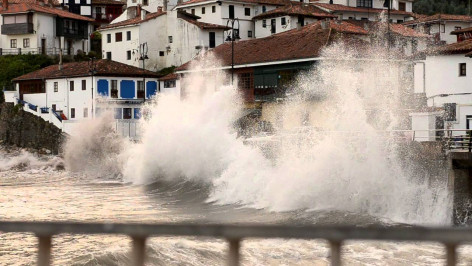 Asturias: Aviso rojo para Asturias, por fenómenos meteorológicos adversos por fenómenos costero